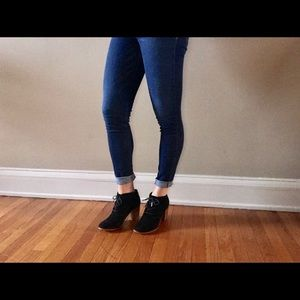 Black Toms booties. Great condition never worn.